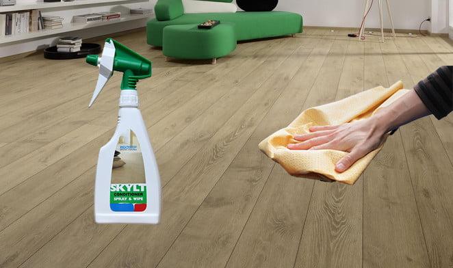 Schoonmaakmiddel Houten Vloer : Houten vloer onderhouden of behandelen met rigostep skylt conditioner